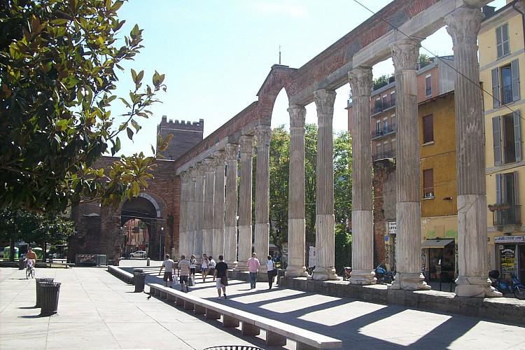 Cantina della Vetra è di fianco alle colonne di San Lorenzo